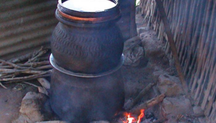 रक्सी बनाउने भाँडै किनेर उत्पादन राेक्दै स्थानीय सरकार